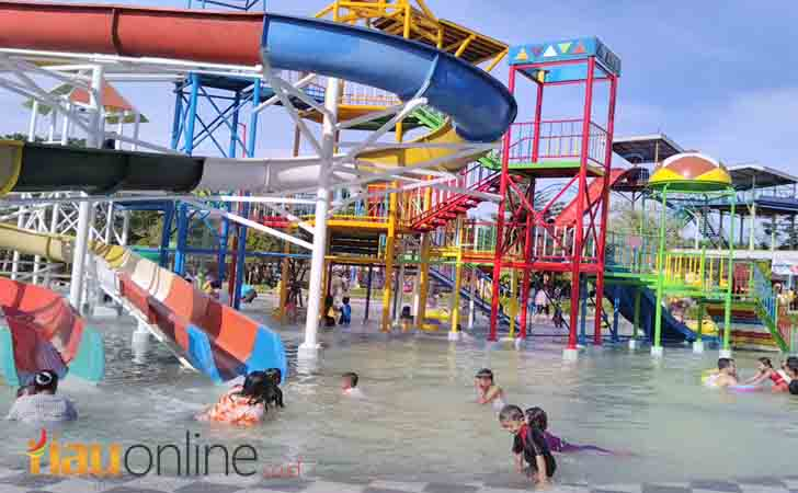 Waterboom-Kuantan-Regency.jpg