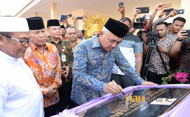 Gubernur Riau di Rokan Hulu