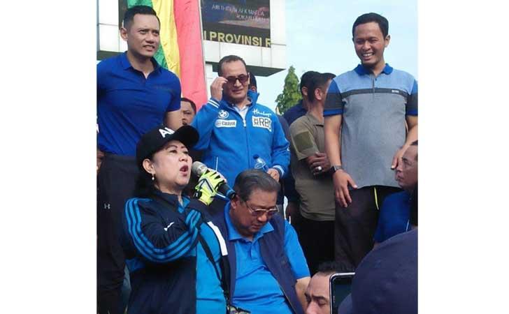 Ani Yudhoyono Sapa Warga Riau