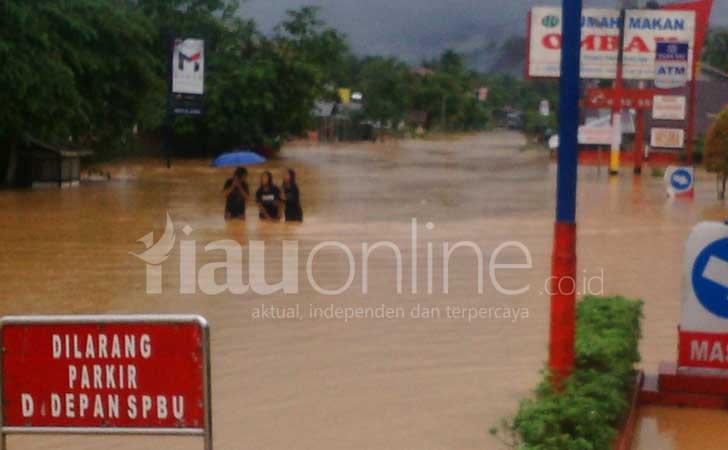Banjir di Pangkalan 50 Kota