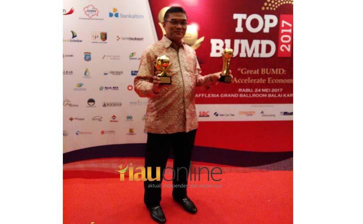 Bank Riau Kepri dan Dirut BRK Top BUMD 2017