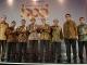 Bank Riaukepri Terima Penghargaan Sindo