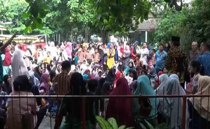Demo Wali Murid Tolak Bangun Pasar