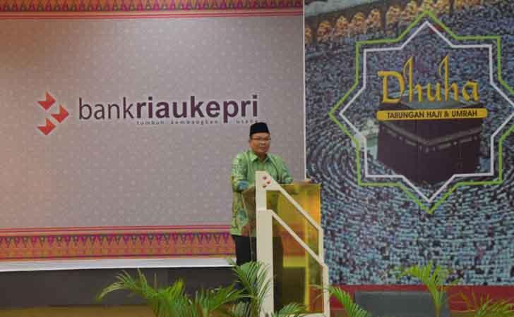 Direktur Operasional Bank Riau Kepri, Denny Mulya Akbar
