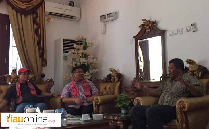 Dirut BRK Irvandi Gustari Berbincang dengan Bupati Anambas, Abdul Harris