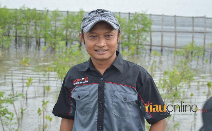 Divisi Konservasi dari Komunitas Pemuda Dusun Baros
