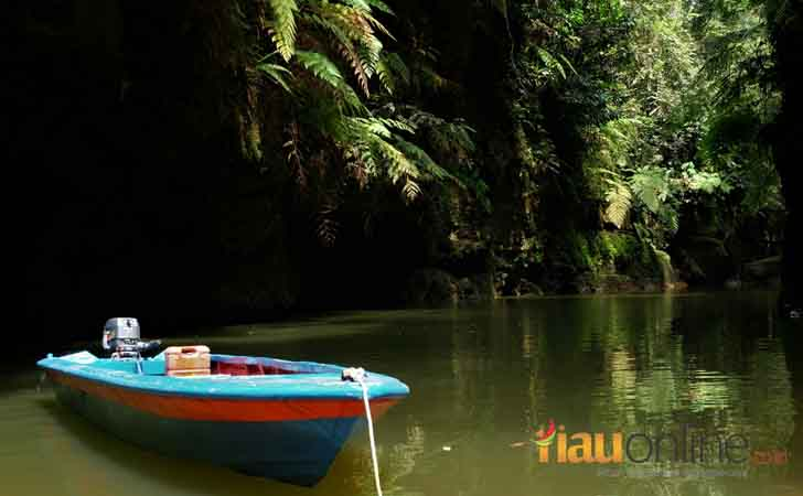 Perahu Siap Hantar Pengunjung ke Desa Tanjung Alai, Kampar