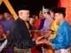 Gubernur Riau Serahkan Hadiah Siak Bermadah