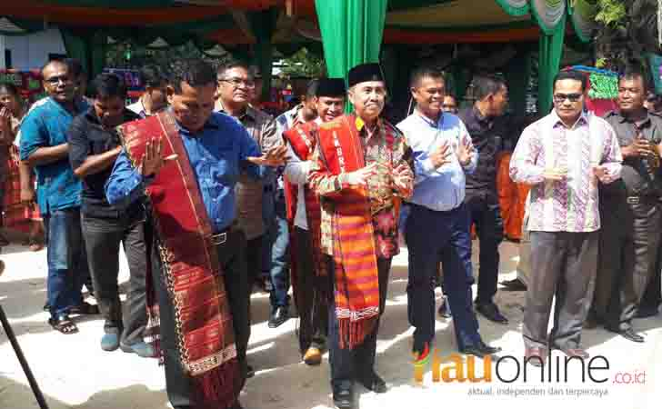 Bupati Syamsuar Hadiri Undangan Pernikahan Warganya di Kandis