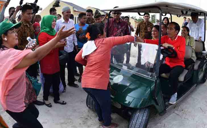 Warga Adang Jokowi Minta Salaman