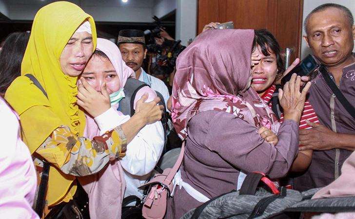 Keluarga menyambut WNI asal Wuhan2