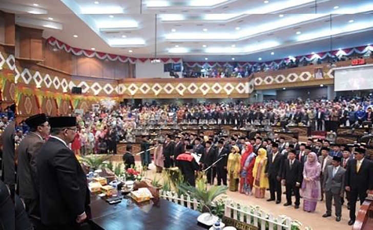 Pelantikan-Anggota-DPRD-Riau.jpg