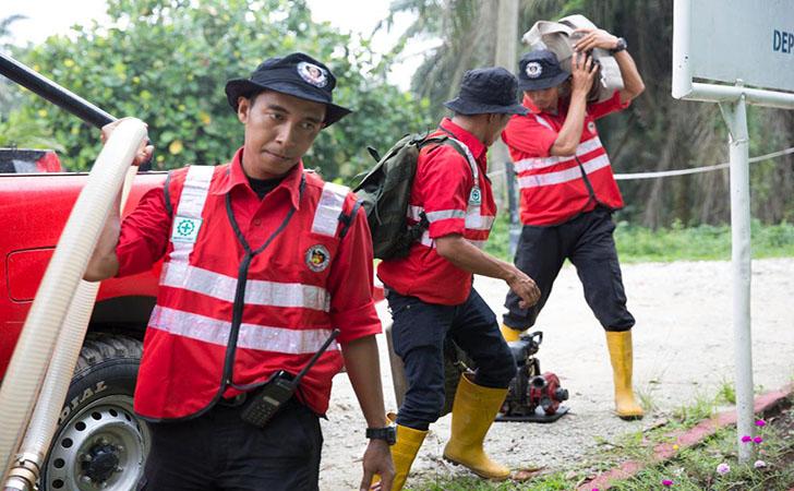 Personil Pemadam Kebakaran RAPP4