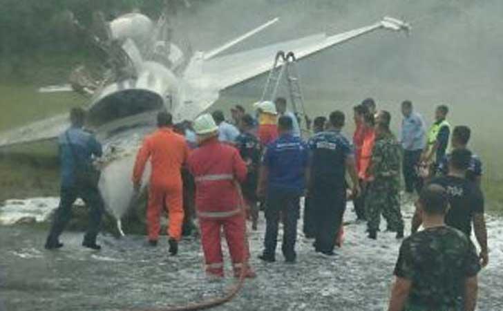 Pesawat F-16 Tergelindir di Bandara Sultan Syarif Kasim II