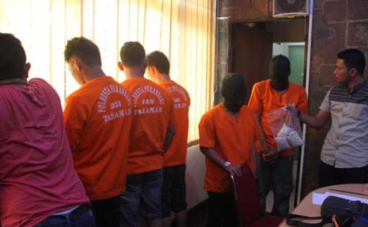 Polisi Eskpose Ribuan Ekstasi Sindikat Pecatan Polisi, Satriandi