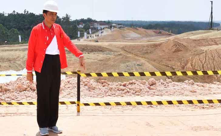 Presiden Joko Widodo Kunjungi Jalan Tol Pekanbaru-Dumai