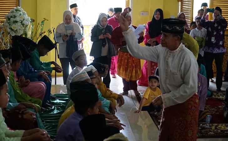 Prosesi Adat Melayu Sunat Massal