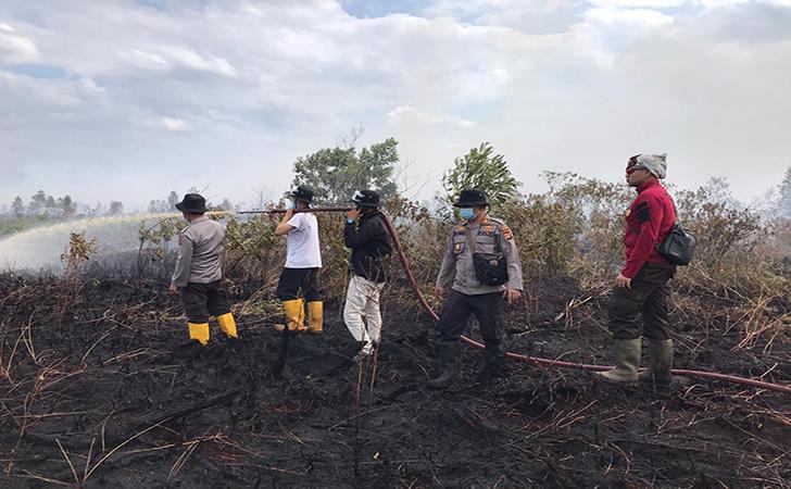 Relawan Pemadam Kebakaran Hutan dan Lahan  Universitas Lancang Kuning (Unilak)2