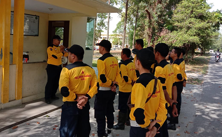 Relawan Pemadam Kebakaran Hutan dan Lahan  Universitas Lancang Kuning3