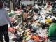 Sampah Tutupi Jalan Cempaka