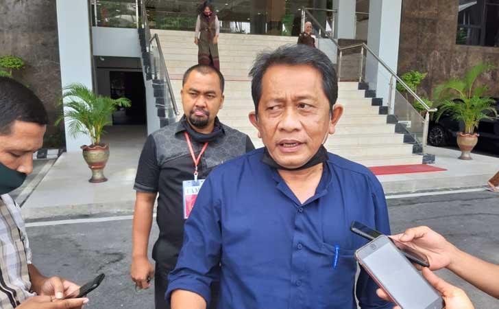 Sekdaprov-Yan-Prana-Jaya-Diperiksa-Kejati-Riau.jpg