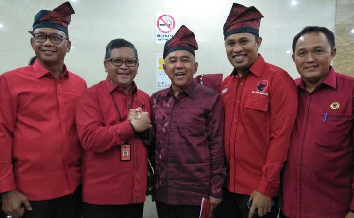 Sekjen PDIP dengan Andi Rachman-Suyatno