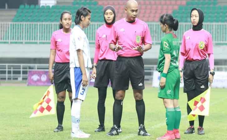 Sherly Wasit Perempuan Hijab Asal Riau