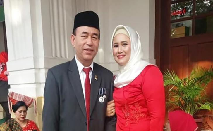 Zuraida-Hanum-bersama-suami-Jamaluddin.jpg