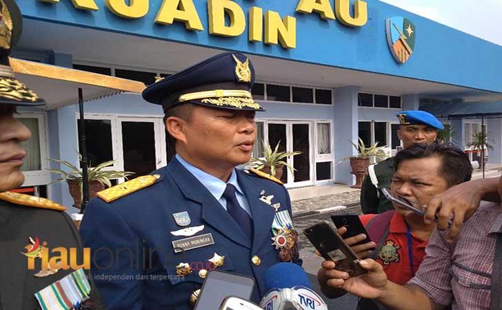 2Komandan-Lanud-Roesmin-Nurjadin-Rsn-Marsma-TNI-Ronny-Irianto-Moningka.jpg