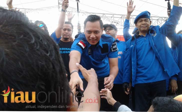 AHY-di-CFD-Jalan-Diponegoro.jpg