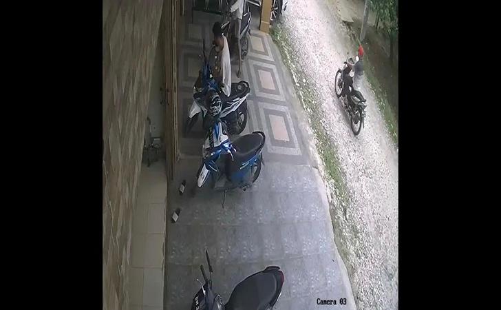 Aksi-pencurian-terekam-CCTV.jpg
