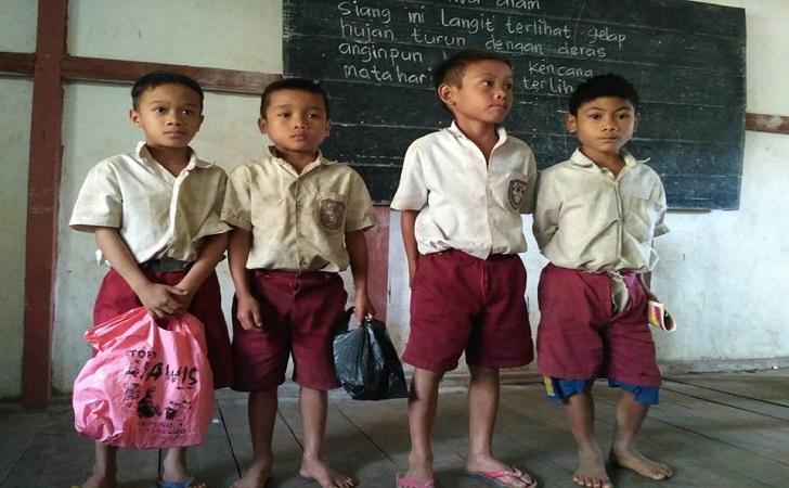 Anak-anak-SD-di-tapal-batas-Indonesia.jpg