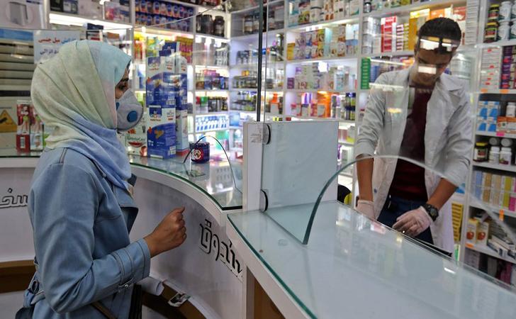 Apotek-di-Iran.jpg
