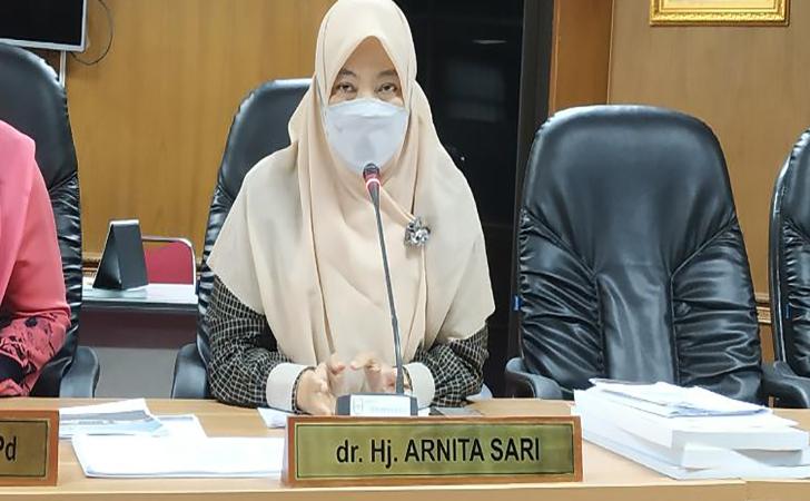 Arnita-Sari4.jpg