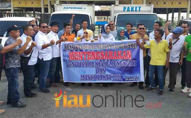 Asosiasi-Jasa-Pengiriman-Riau-Demo-di-Purna-MTQ.jpg