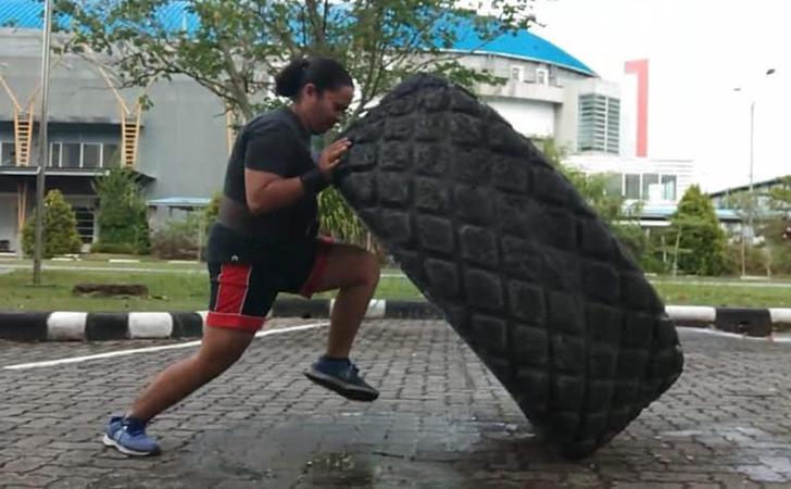 Atlet-berlatih.jpg