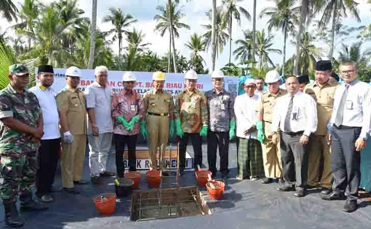 Bangun-Kelas-Baru-dari-CSR-Bank-Riau-Kepri.jpg