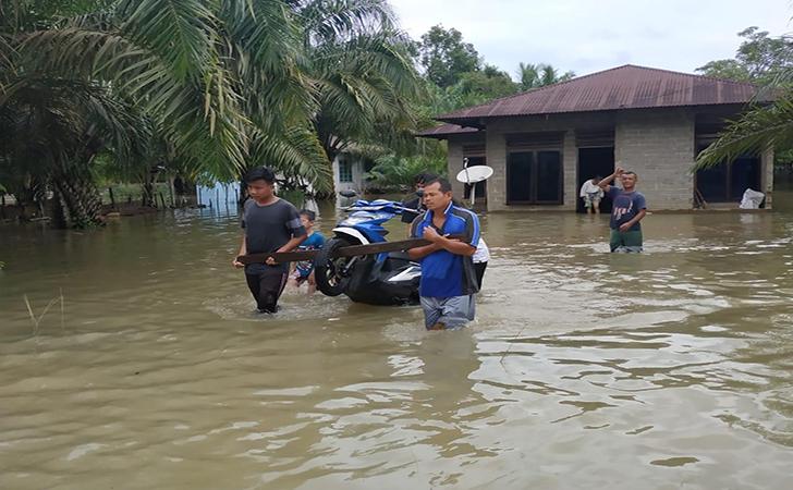Banjir-Desa-Pasar-Baru.jpg