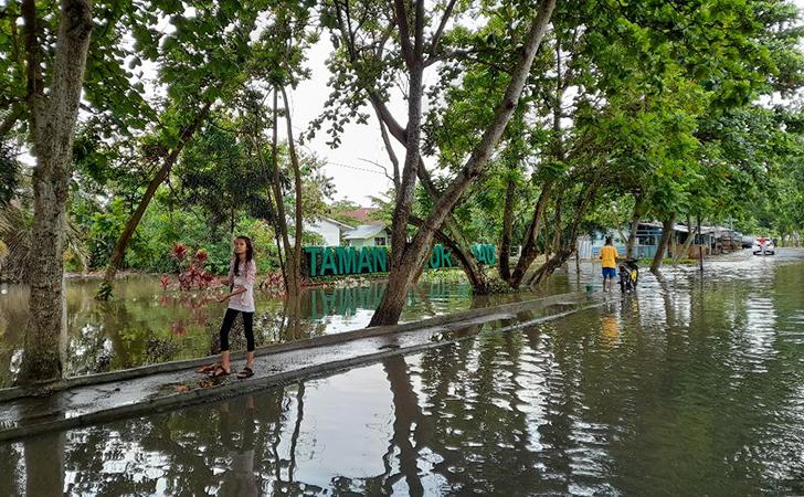 Banjir-di-Jalan-Lembah-Raya2.jpg