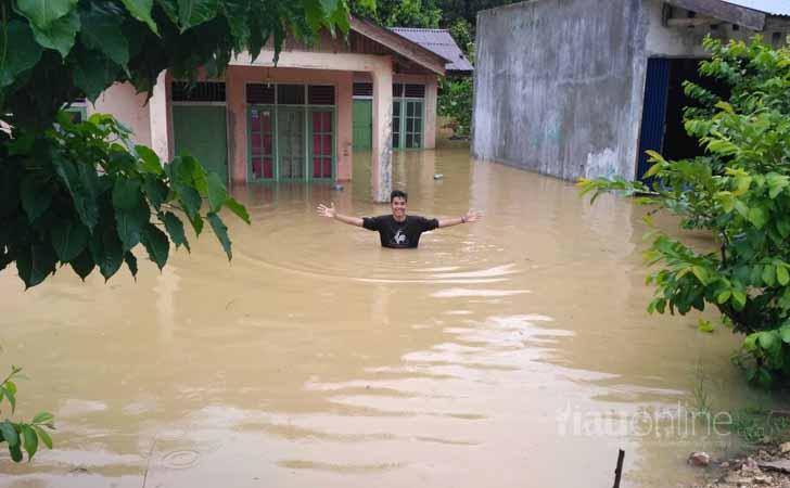 Banjir-di-Lubuk-Ramo.jpg