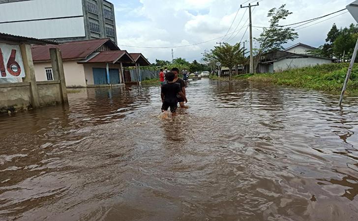 Banjir-di-sejumlah-wilayah-Kota-Pekanbaru.jpg