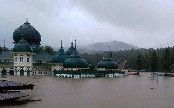 Banjir-pangkalan3.jpg