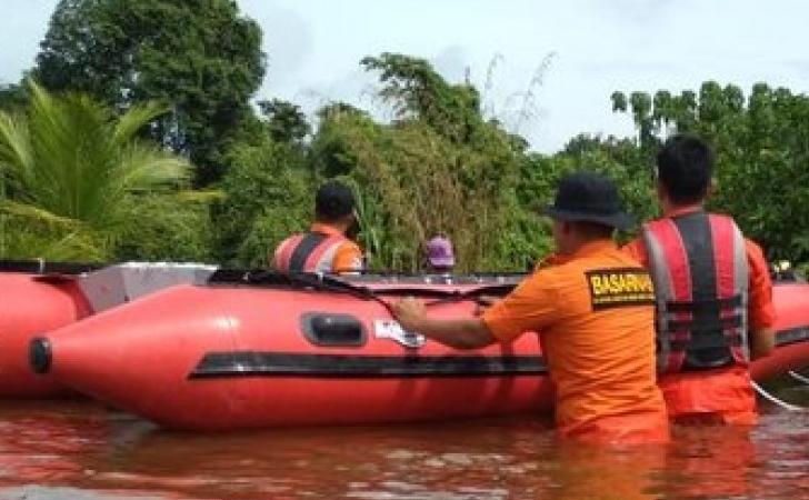 Basarnas-di-Banjir-Pekanbaru.jpg
