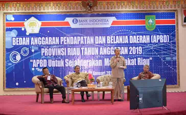Bedah-APBD-Riau-2019-oleh-ISEI.jpg