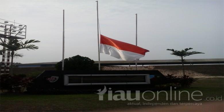 Bendera-Setengah-Tiang.jpg