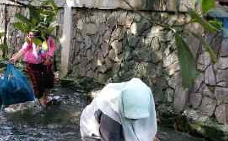 Bersih-bersih-sampah-di-sungai.jpg