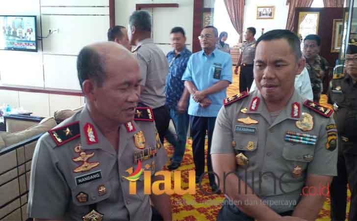 Brigjen-Pol-Nandang-menggantikan-Irjen-Pol-Zulkarnain-sebagai-Kapolda-Riau.jpg