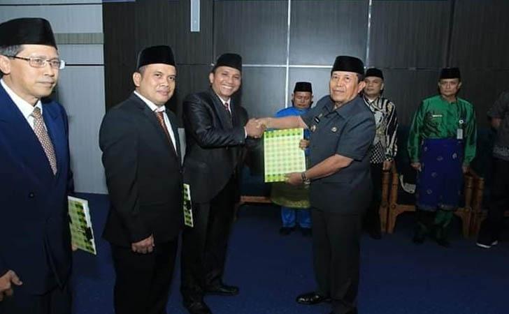 Bupati-Lantik-Dirut-PD-Rohul-Jaya.jpg