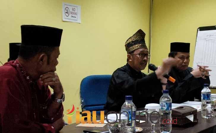 Bupati-Syamsuar-di-LAM-Riau.jpg