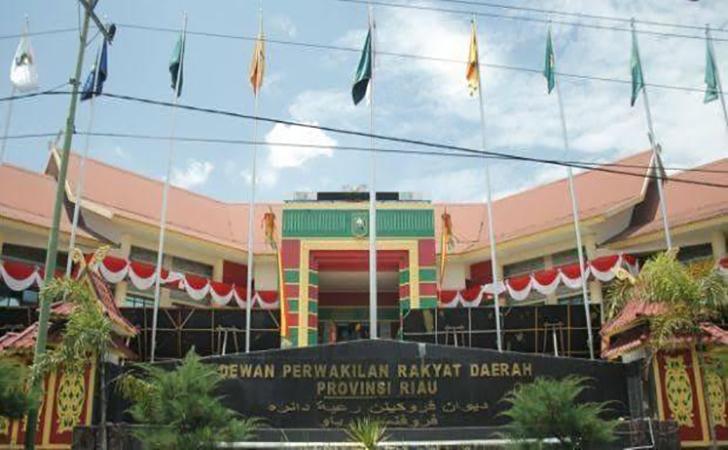 DPRD-Riau7.jpg